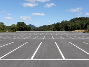 解体後に駐車場にする工事も施工可能!