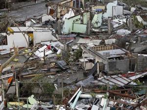台風被害、火災現場の解体工事