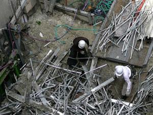 老朽化したビルの解体撤去工事