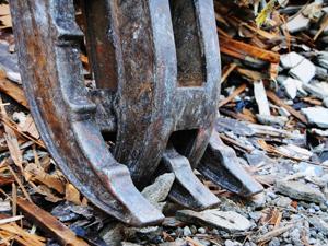 廃棄部材を出来るだけ少なく、エコな廃材ストック利用