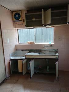 内装解体前の室内の様子 台所